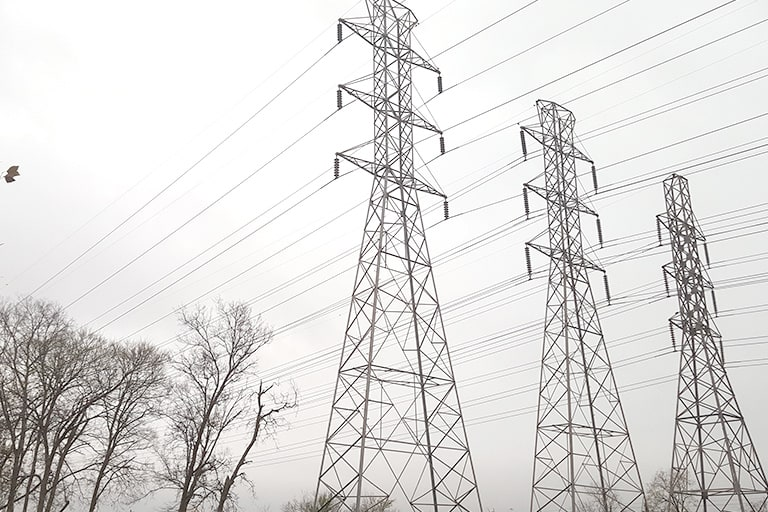 Rust treatment on electric pylons